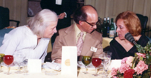 Sagrario Martínez-Carrera (right), with Dorothy Hodgkin and S. C. Abrahams at the International Conference on X-Ray Anomalous Scattering held in Madrid, in 1974.
