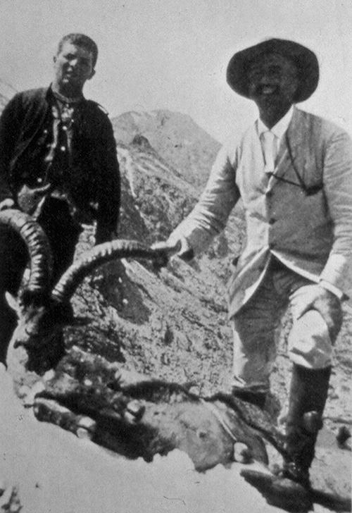 Pedro Pidal, cazador de monteses en Gredos
