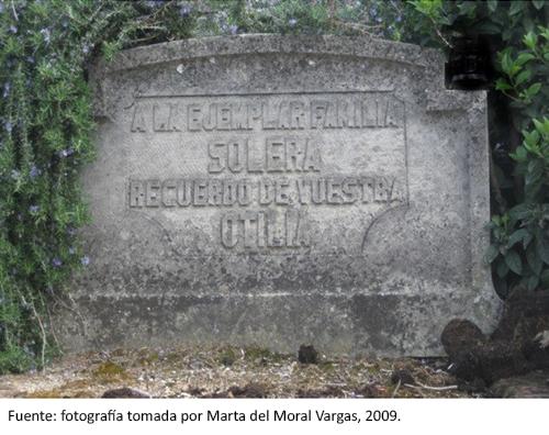 Lápida de la sepultura de la familia Solera. Cementerio Civil de Madrid