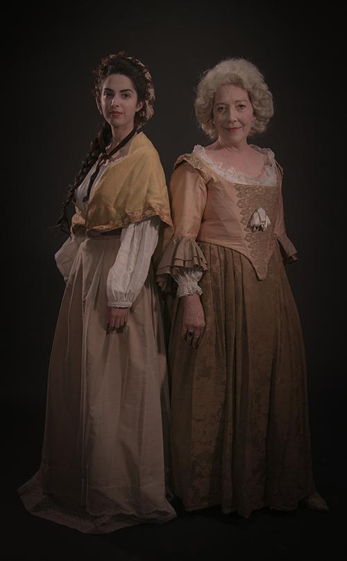 Claudia Siba y María José Moreno caracterizadas como María Andresa Casamayor